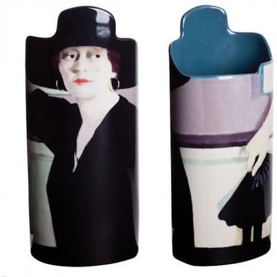 cadell-lady-in-black-vase-18339